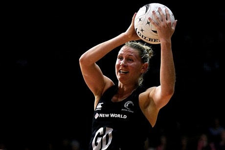 Casey Williams playing for New Zealand Silver Ferns.