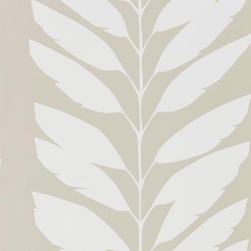Tjusiga bladrankor i beige och vitt från kollektionen Levande 111312. Klicka för fler fina tapeter till ditt hem!