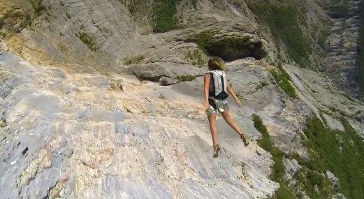#EntérateCali: Saltos base con ropa de alta costura italiana (Buenisimo)...