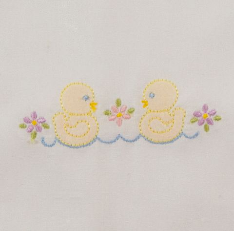 SE1004 Shadow Embroidery Little Ducklings