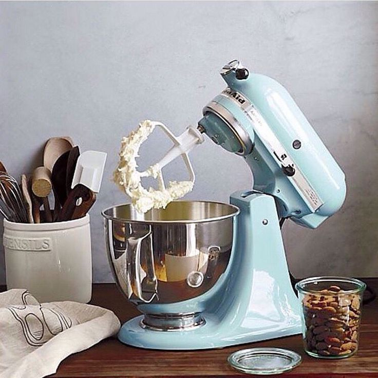 "236 Likes, 10 Comments - KitchenAid Australia & NZ (@kitchenaidausnz) on Instagram: ""Happy Mother's Day from KitchenAid! We hope you all have a lovely day. #mothersday #kitchenaid #cake"""