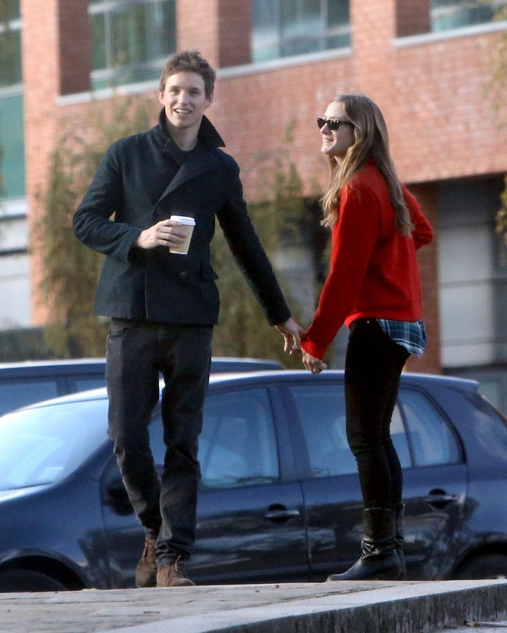Eddie Redmayne and Hannah Bagshawe Show PDA While House-Hunting
