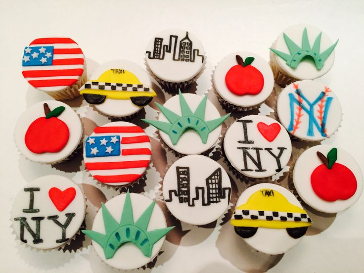 NY themed mini cupcakes