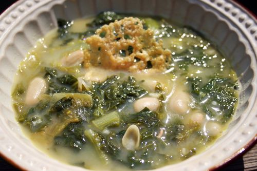 Hearty Escarole Soup with Beans & Parmesan Crisps.... mmm delicious!  #healthy #cleaneating #easy #healthy #recipes #vegetarian