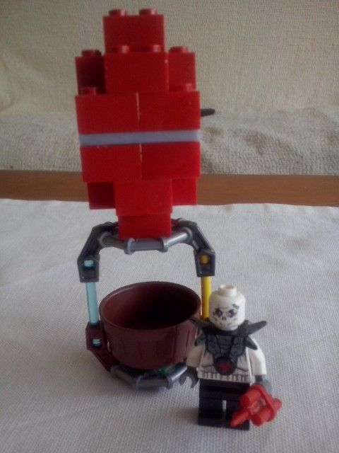Clahs of clans llega a Lego. Globos