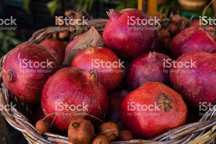 #pomegranate #melograno   #fruit #granadas #copyspace #editors #graphics #bloggers #magazine #designer #istockphoto file id 74705567 #iphonesia #editorial #editores #graficos #stockphoto #design # marisaperezdotnet