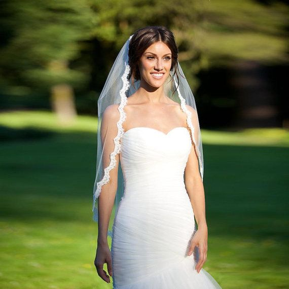 Bridal Wedding White Veil Eyelash Lace 1 tier Hip Length Ceremony Accessory