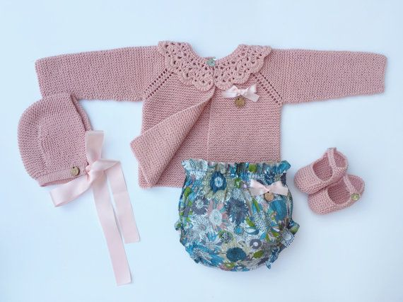 Baby Clothing Set: Cardigan Collar Bloomers by MarigurumiShop