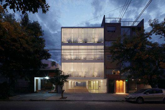 Edificio 11 de Septiembre 3260, Argentina 2011 .