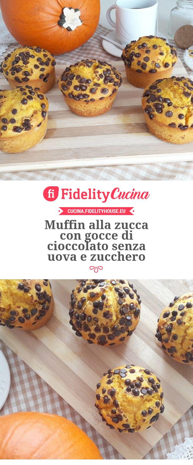 Muffin alla zucca con gocce di cioccolato senza uova e zucchero