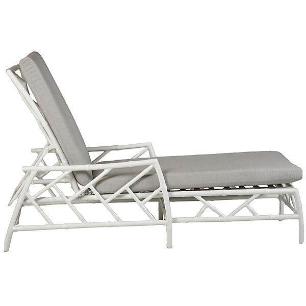 17 meilleures id es propos de chaises lucite sur pinterest chaises des fant mes chaise. Black Bedroom Furniture Sets. Home Design Ideas