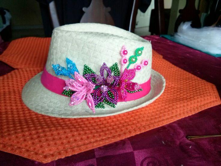 Sombrero con tembleques sombreros pinterest sombreros - Decoracion de sombreros ...