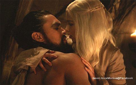 Game of Thrones gif Jason Momoa & Emilia Clarke- Khal Drogo & Daenerys