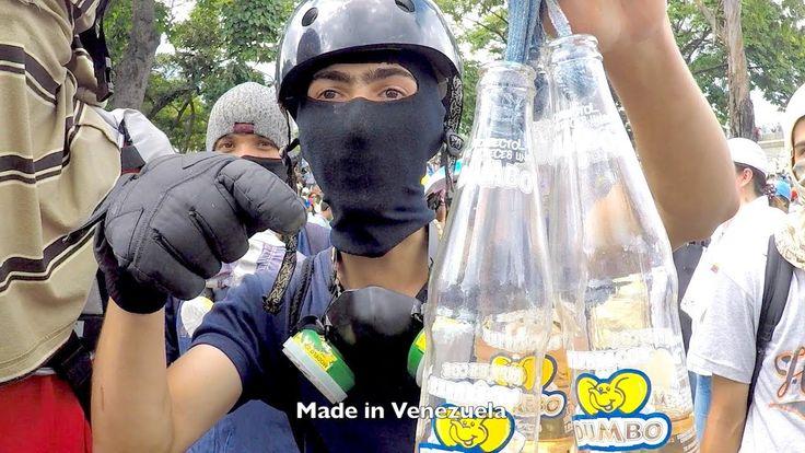 Polscy turyści plecakowi w Caracas, Wenezuela - chaos, protesty BezPlanu 30 lip 2017 przeciwko prezydentowi  Nicolasowi Maduro, który  może spowodować, że Wenezuela stanie się czymś na kształt Kuby lub Argentyny za czasów wojskowej dyktatury, II RP po zamachu stanu Piłsudskiego w 1926, albo III RP po Magdalence z udziałem Lecha Kaczyńskiego  http://safari.blox.pl/2017/08/Logika-Dudy-PDO504-po-Mysli-prof-Wittgensteina.html
