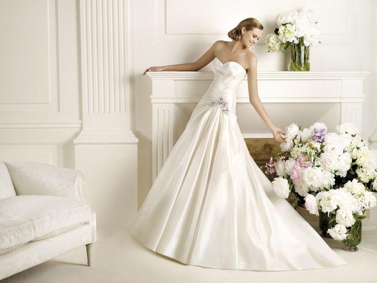 Dorothy - Pronovias 2013 - Esküvői ruhák - Ananász Szalon - esküvői, menyasszonyi és alkalmi ruhaszalon Budapesten