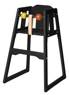 Robust är en klassisk barnstol som kan väljas i olika färger. Denna är svart som ursprungligen formgavs redan 1962 och som under årens gång har fått utvecklats. #barnstol #barnstolar #robustbarnstol #dialogdetails