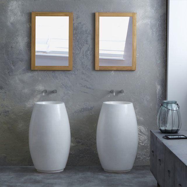 Vasque salle de bain piédestal en terrazzo Boréal TIKAMOON : prix, avis & notation, livraison.  Vasque sur pied en terrazzo de couleur blanche.Info : dimensions intérieures : H 15 x L 30 x P 30 cm / trou évacuation : 4,5 cmInformations Produit :Matière : TerrazzoDimensions : H 80 x L 49 x P 49 cmPoids : 32 kg environ Acheter un meuble Tikamoon, c'est acheter une pièce exclusive, dessinée avec passion par nos &amp...