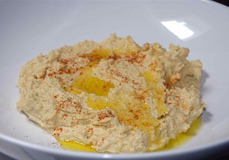 Scheut olijfolie en paprikapoeder er overheen en dippen maar. Lekker met turks brood of zuurdesem!