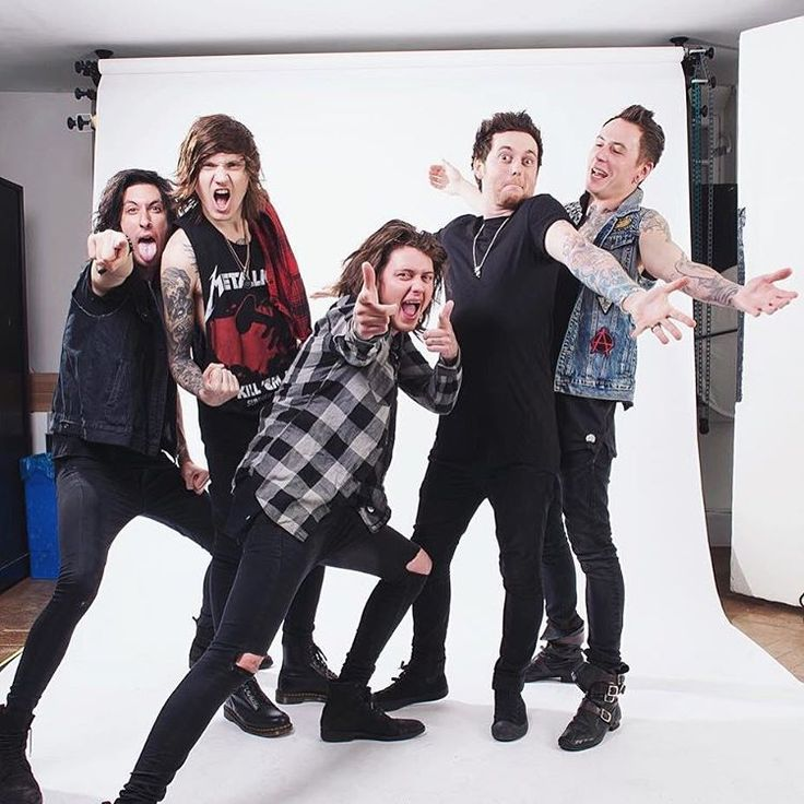 Asking Alexandria i love this picture of the boys Cameron, Denis, Ben, Sam and James :3