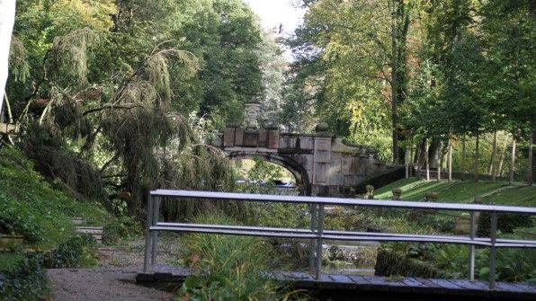 Auch im Bereich der Steinernen Brücke hinterließ der Sturm am 5. Oktober seine Spuren.