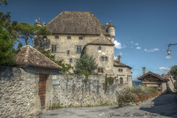 Yvoire : village médiéval fleuri au bord du Lac Léman en Haute-Savoie_France © Yves Roussel Like: click on the photo .... Thanks