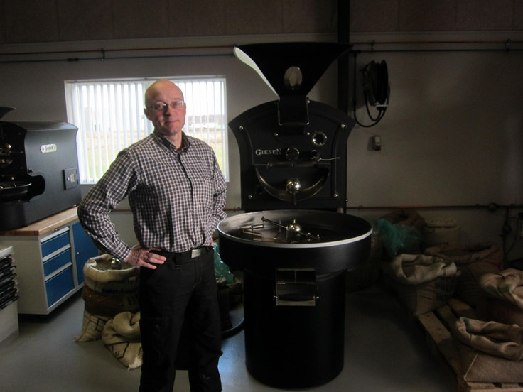 The owner, Niels whith his roaster.