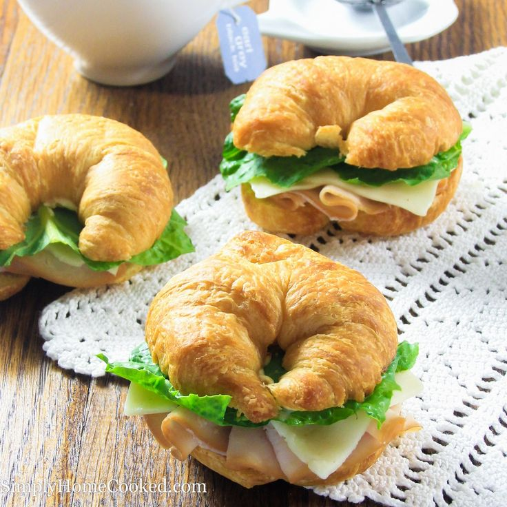 These turkey croissant sandwiches are the perfect finger food for tea parties or casual get togethers. With very basic ingredients, you might not even have to go to the grocery store for this recipe. Well that's if you always have croissants at home. Which we all do right? ;) My favorite part about these sandwiches