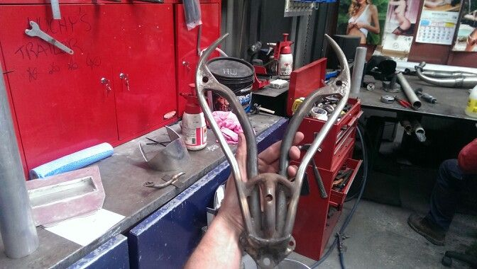 Devil horn seat mount