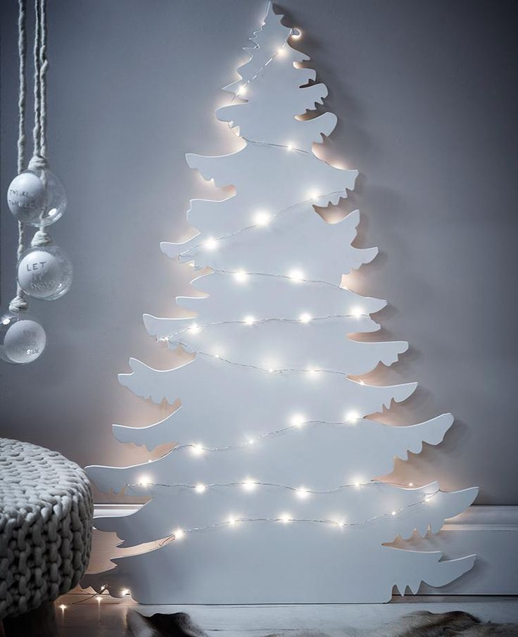 17 best ideas about modern christmas trees on pinterest for Non traditional christmas tree ideas