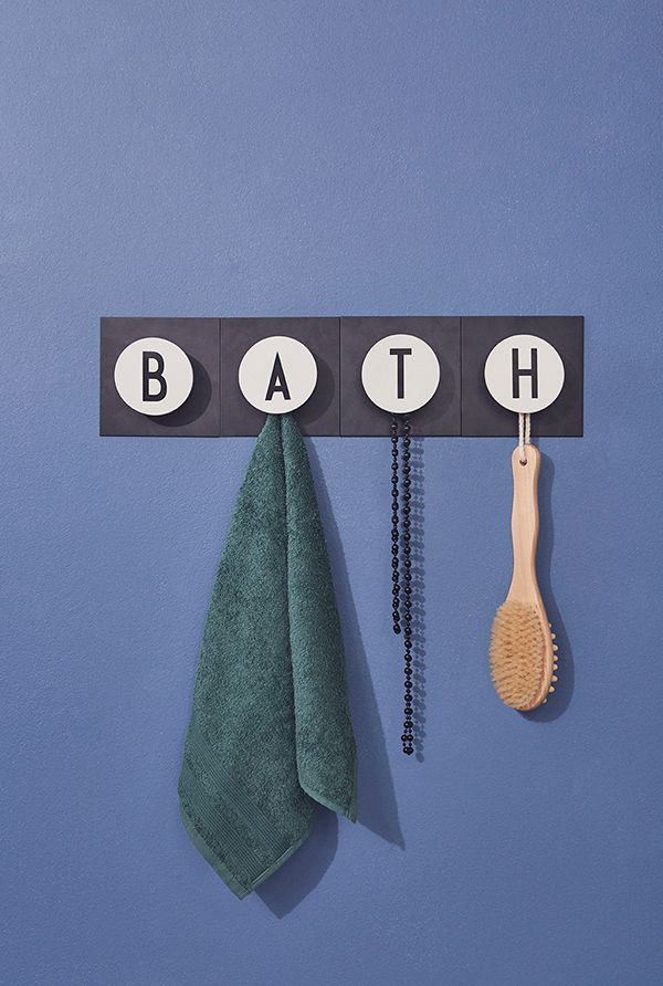 B A T H !   Hook up your favorits in the bathroom.
