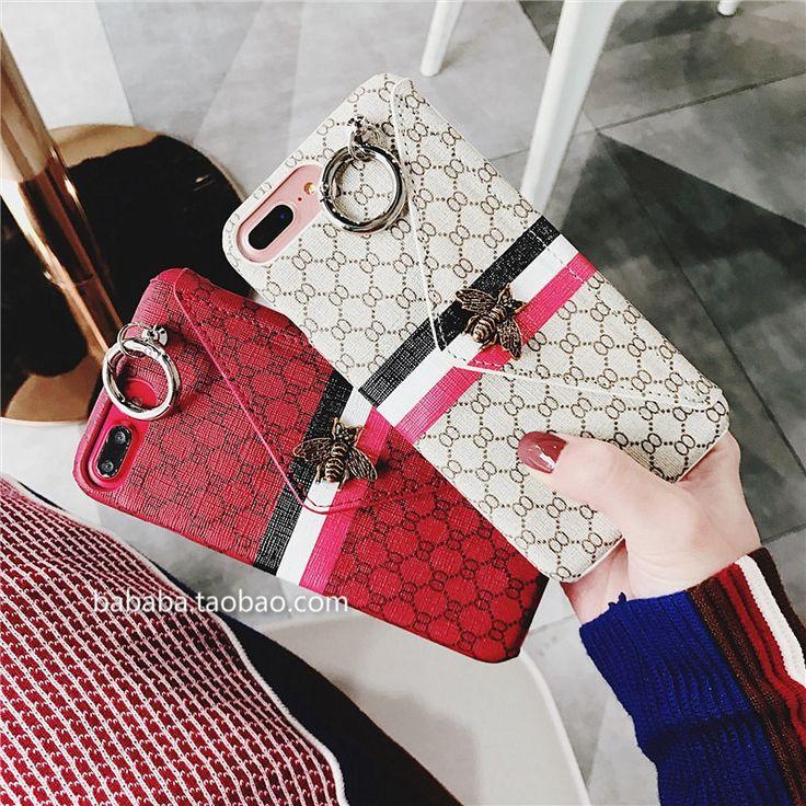 ファッション業界で有名なブランドグッチは歴史性のストーリーです。 グッチの製品には派手、個性、迷う魅力があります。目を離れないデザイン、超人気です。 お洒落なブランド iphone xケース グッチ アイフォン 8ケース 経典設計    優れた材料を採用して、ユニークなデザイン、綺麗なケースを作り出します。  正面にはカード収納ポケットがついて、クレジットカードと小銭などのが入れます。  マグネットには可愛くて精緻なミツバチが付き、美しいです。 携帯ケースにリンクが持っていますので、紐がもつなら、携帯を首に掛けられます   精緻刺繍 アイフォン x/8 plusケース ブランド iphonexカバー グッチ  ケースの正面にはっきりなロゴを書いてブランド感がすっかり展示します。 うすい軽いジャケットデザイン、持ち携帯で、機能性も充実です。 今回は主に大注目されている、男女に惹かれるスマホカバーはユニックなデザインは特有の設計です。  グッチ iphone xケースはセレプや名人や芸能人が愛用されるブランドです。