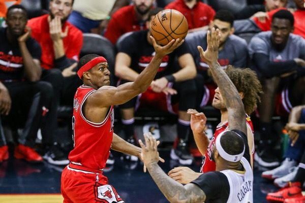 Rajon Rondo suffers a fractured thumb = Chicago Bulls point guard Rajon Rondo has suffered a broken thumb and will be sidelined indefinitely, the team announced on Friday. However, surgery is not required to heal the injury, leaving the door open for…..