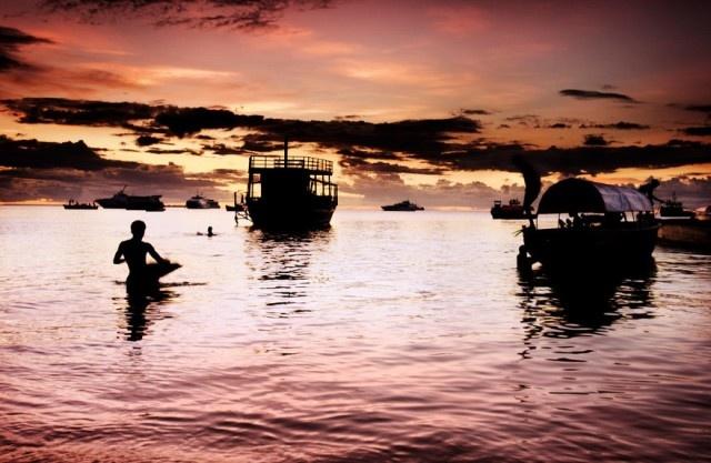 Zanzibar Island Sunset (by Amyn Nasser)