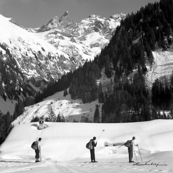 13 besten skitour bilder auf pinterest historische bilder schwarz wei und schwarzer. Black Bedroom Furniture Sets. Home Design Ideas