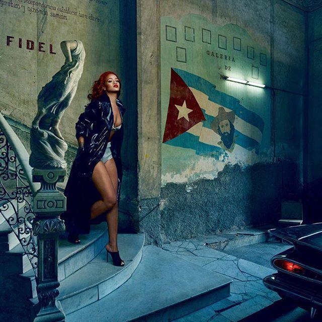 Rihanna in a contemplative moment, alongside a 1959 Chevrolet Impala, at the paladar La Guarida on Concordia Street. Photograph By: Annie Leibovitz Styled By: Jessica Diehl #pininsta #rihanna #badgalriri #chevrolet #impala #laguardia #concordia #street #streetwear #ootd #annieleibovitz #vanityfair #magazine