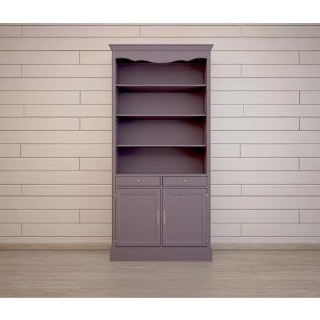 """Шкаф """"Leontina"""" - лучший хранитель всего самого интересного и драгоценного, что у вас есть. Разместите на его полках расписные тарелки, рамки с фотографиями, самые любимые произведения классической литературы, коллекцию фарфоровых фигур, рассыпьте лепестки цветов или даже выделите нижнюю полку или шкафчик под домик для кукол вашей дочери."""