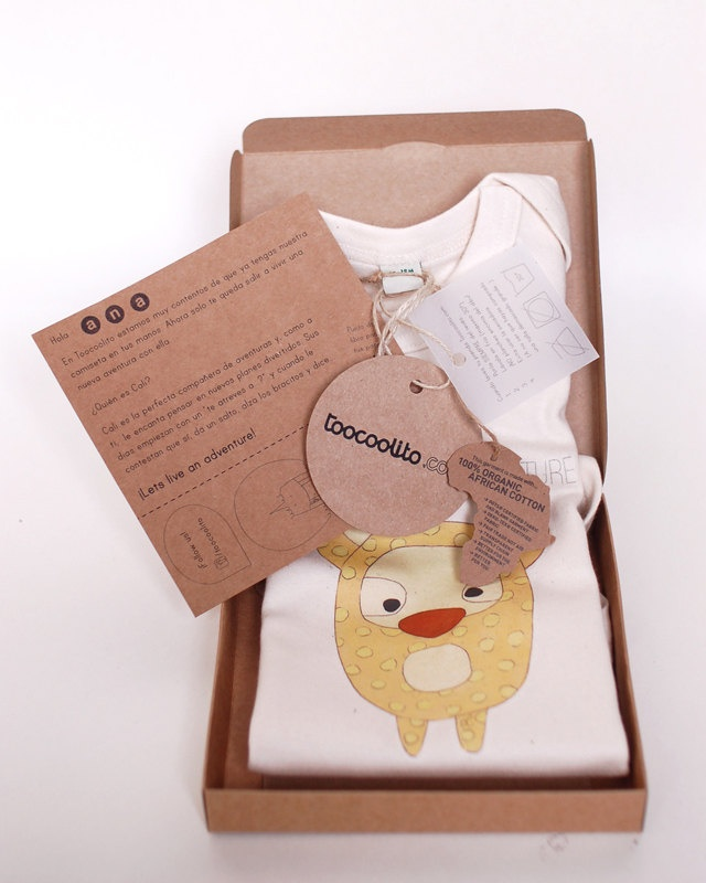 Body for babies made of 100% organic cotton fabric, really smooth and nice to wear. All our illustrations are handmade, printed in best quality organic fabrics and presented in a customized packaging. The name of your baby will be written at the outside tag and the inside card.