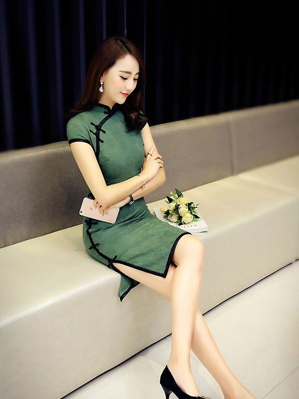 Green Linen Modern Qipao / Cheongsam Dress