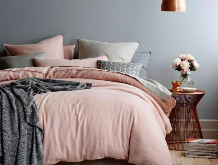 Le linge de lit en lin est une jolie parure pour votre lit et chambre à coucher. Il va contenter tous les goûts et va bien avec les chambres bohémiennes.