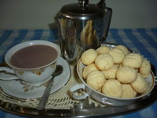 Receita ;  1 xícara de chá de ( farinha ) de mingau de arroz MOCOCA  1 xícara de chá de maizena  1 colher de chá de fermento em pó  3 colhe...