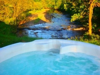 21 best country cottages with swimming pools or hot tubs images on pinterest country houses for Cottages in the lakes with swimming pools