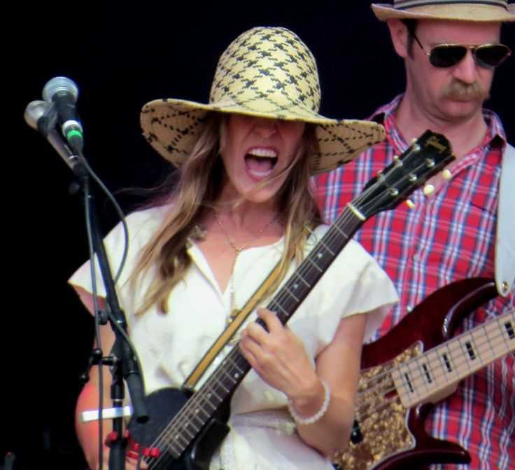 Feist (with her band Hydra)