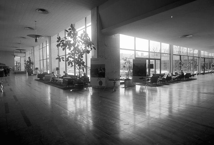 Berlin 1960 Hilton Hotel Halle und Empfang