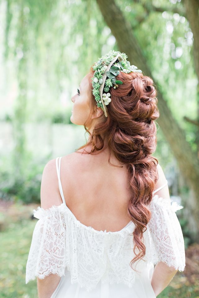 Loose braid hairstyle | Cecelina Photography
