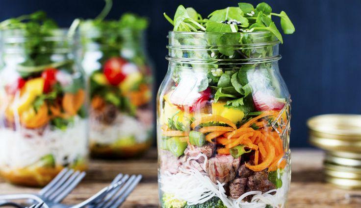 Wraps, saladas e pizza — sim, leu bem — podem fazer parte do menu do seu almoço.