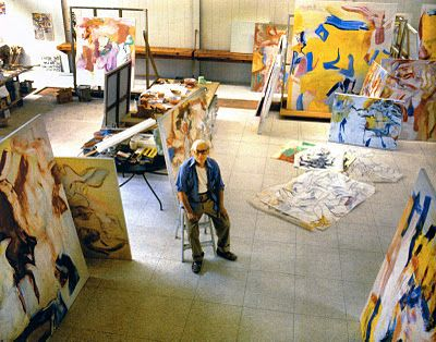de Kooning in his studio. Wow! Scale! Love a large space