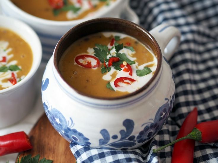 Polévka z batát a červené čočky