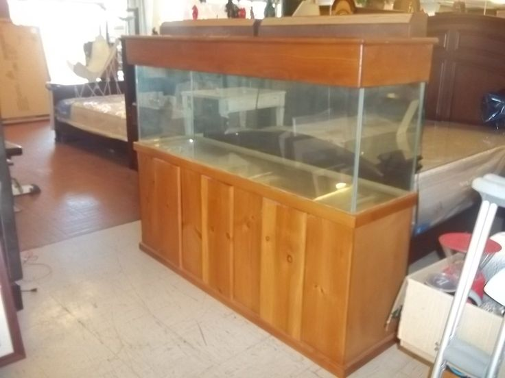 Large fish tank on stand 10846