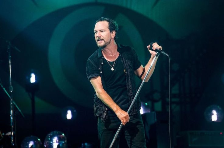 Twin Peaks': Eddie Vedder Debuts New Soong For David Lynch's ...