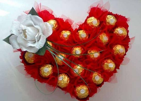 diy valentine's mailbox   DIY Valentine's Day gift idea ferrero rocher red organza toothpicks